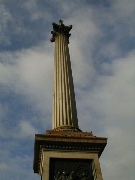 Trafalgers_square_monument