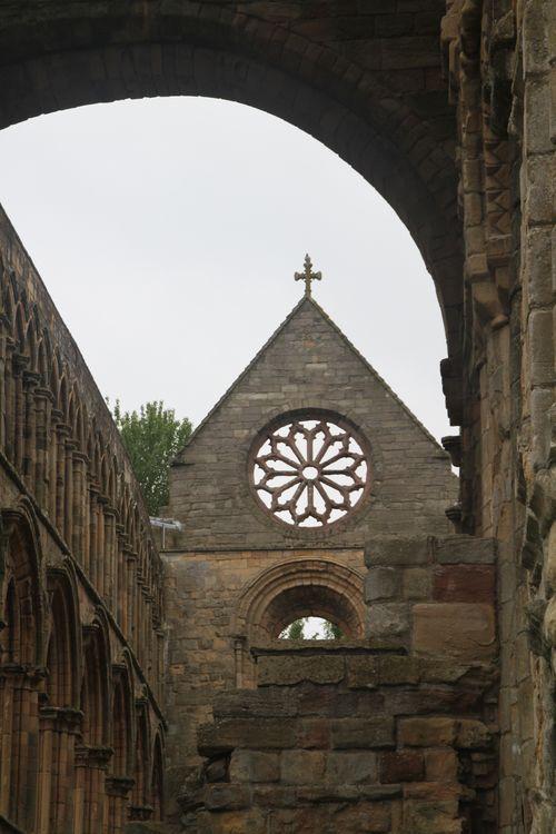 4 Jedburgh Abbey - rose window