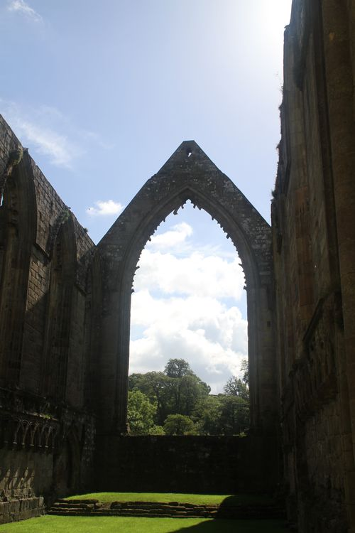 7 Bolton Abbey - main window