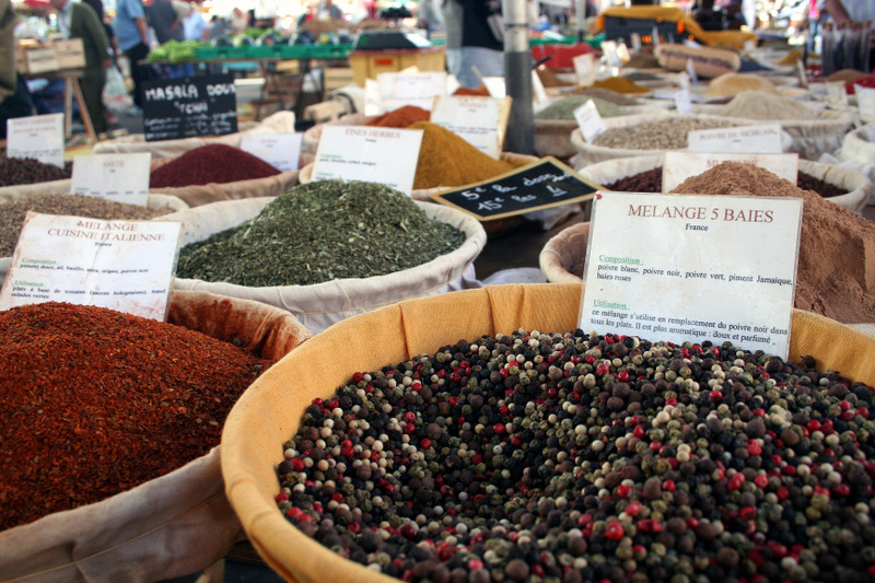 Moissac_market_spices